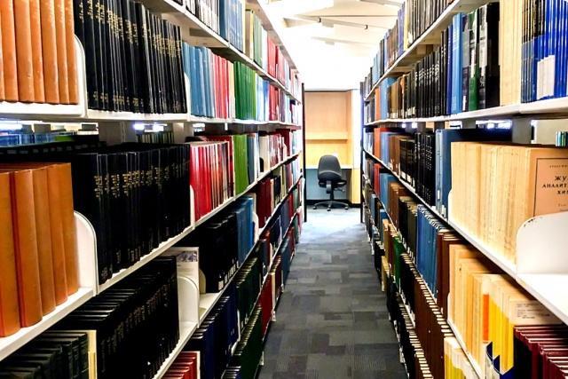 各地の図書館の一覧や最寄り図書館の探し方や蔵書の検索方法